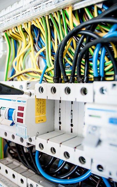 Nos électriciens certifiés sont à votre écoute pour répondre à tous vos besoins.