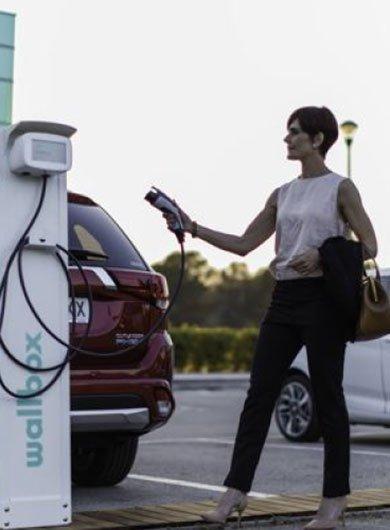 Installer une borne de recharge pour les voitures électriques de votre entreprise